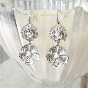 Darling floral drop earrings